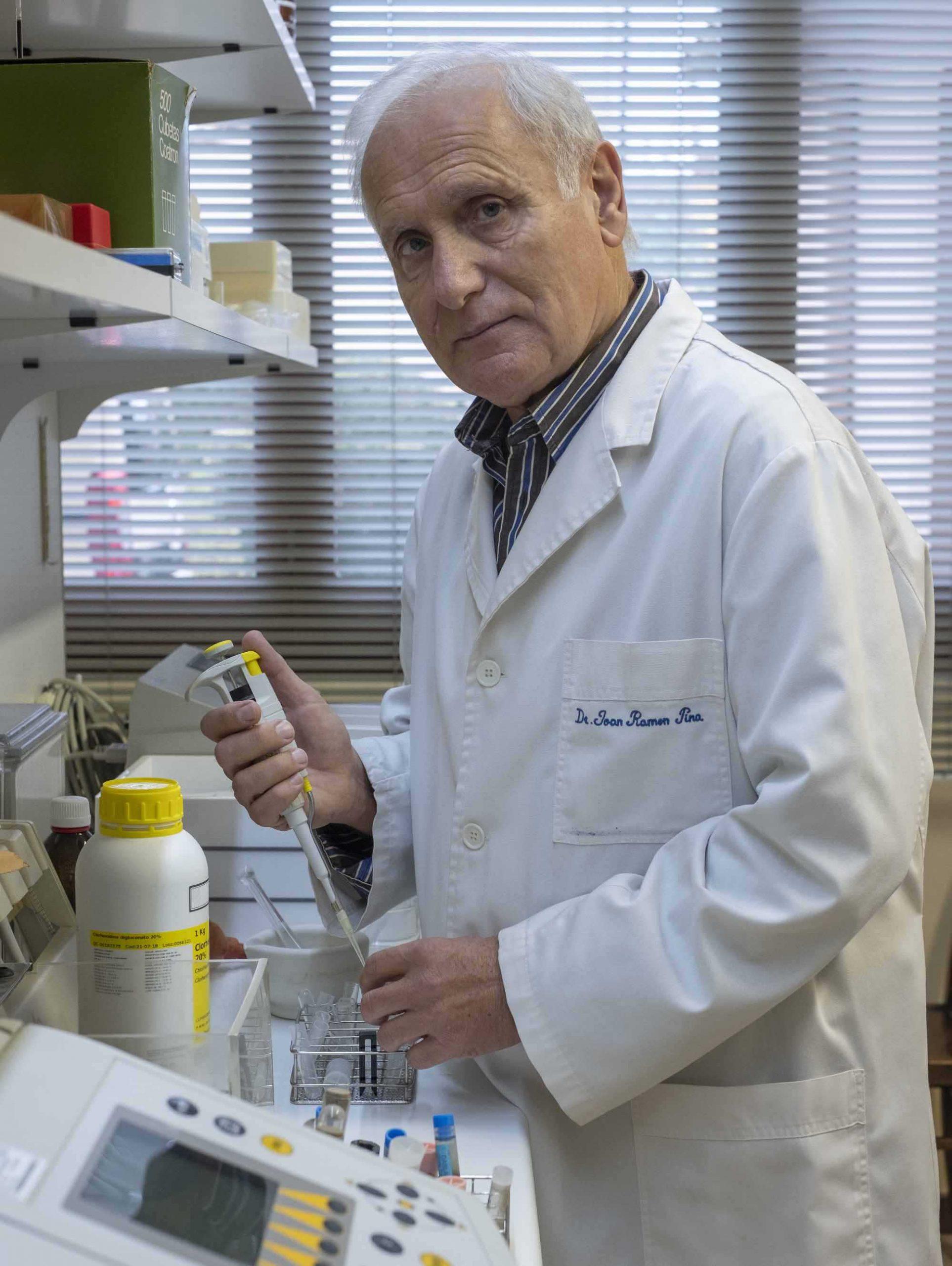 Dr. Juan Ramón Pina _ Director Médico de Laboratorios Averroes